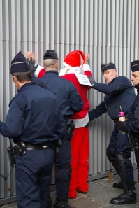 santa-behind-bars